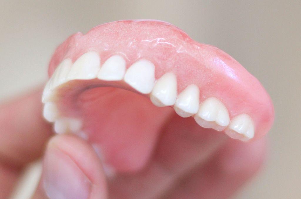 Upper dentures